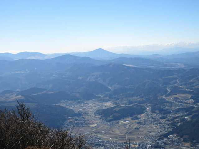 IMG0047JPG由布盆地涌いた山