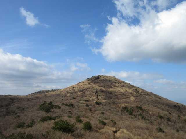 IMG0053JPG鈴ヶ岩屋より山頂
