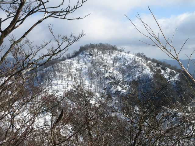 IMG0039JPG南岳も雪化粧