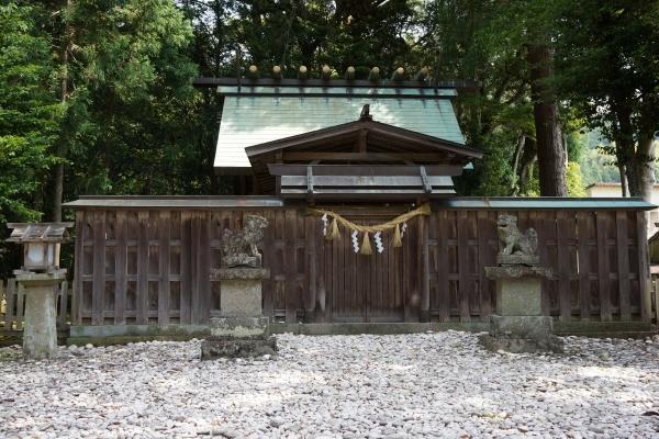3社殿 (1200x800)