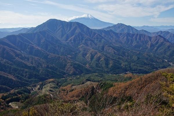 20181117-10 御正体山、富士山、鹿留山