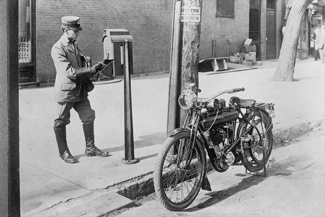 oldmailmanbiker1.jpg