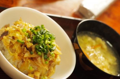 ヤブレブランチ 親子丼 中華風たまごスープ