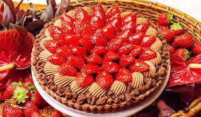 イチゴとチョコレートムースのタルト