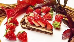 イチゴとチョコレートムースのタルト2