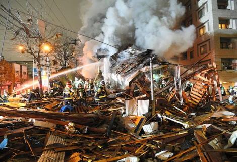 札幌のアパマンショップ爆発事故で被害補償について住民説明会、原状回復に必要な費用の全額をアパマンが負担する方向で検討、しかし具体的な補償金額やその回答期限は示されず