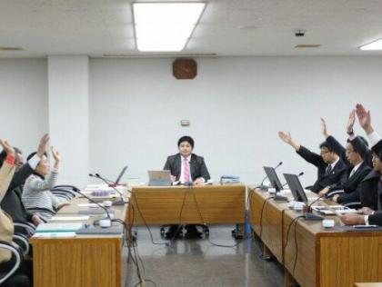 川崎市の在日韓国人の男性(57)「鎌倉市議会で『一般的な日本人名でない』と人種差別発言をされた」 鎌倉市と前鎌倉市議・上畠寛弘氏を相手取り570万円の損害賠償訴訟