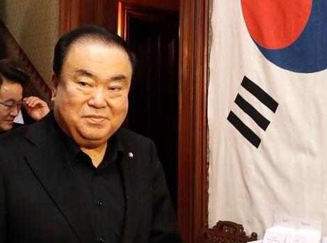 天皇に慰安婦への謝罪を求めた韓国国会議長、発言の趣旨を説明 「『戦犯の息子』とは日本の国王の息子という意味で、責任ある指導者の謝罪が必要だという趣旨だった。不必要な論争を望んでいない」「日本側は何度も謝罪したと言うがそのようなことはない」
