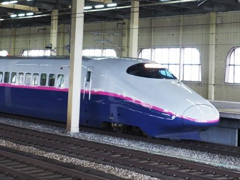 上越新幹線 E2系 とき326号【燕三条駅】