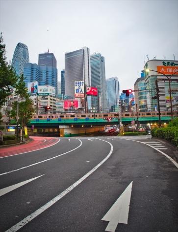 新宿大ガード(青梅街道架道橋)