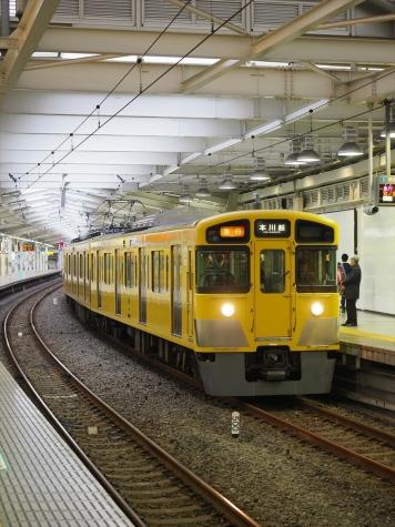 西武鉄道 2000系 電車【西武新宿駅】