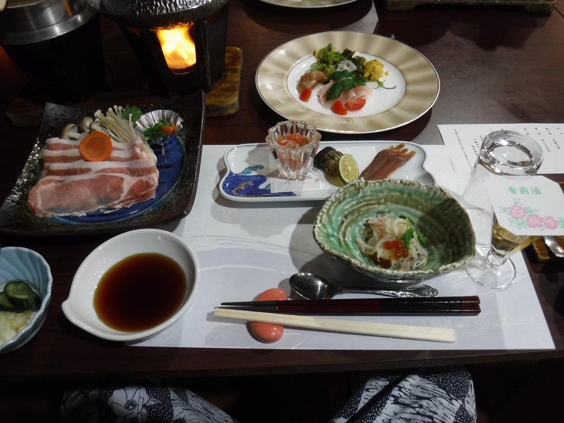 ブログ ホテルの夕食.jpg