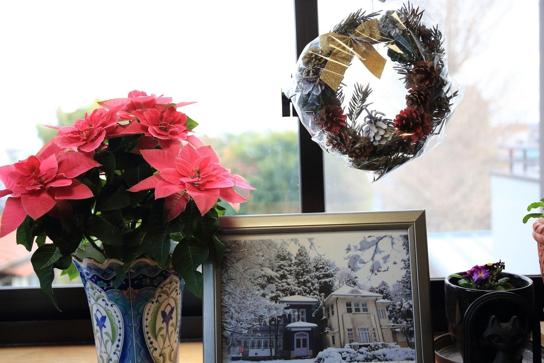 ブログ 窓辺のクリスマスバージョン.jpg