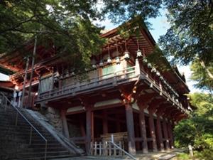 懸造りの拝殿