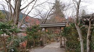 冬の気配の室生寺