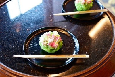 鶴屋吉信の茶菓子