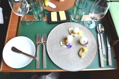 白バイ貝のグリエとメロンのサラダ