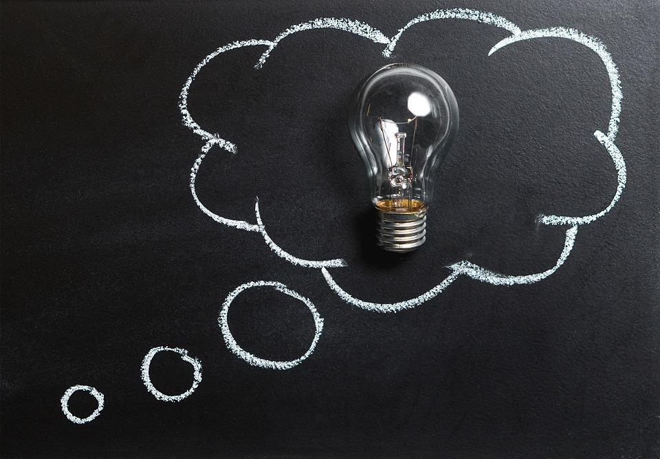 お金儲けの秘訣! 過去の情報をリセットし自由な発想で画期的なアイデアを生み出す方法