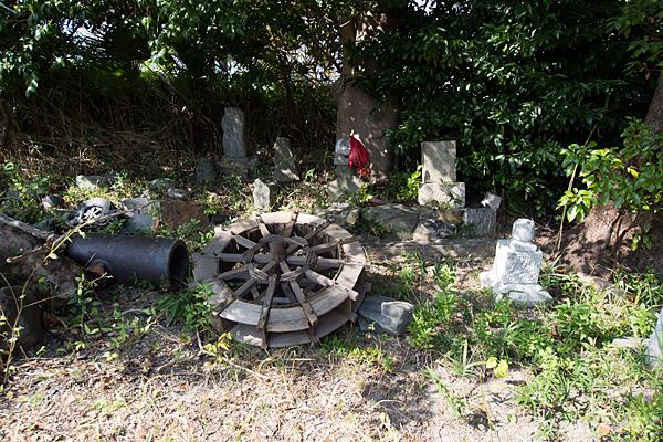 緒畑稲荷神社(三王山)石仏など