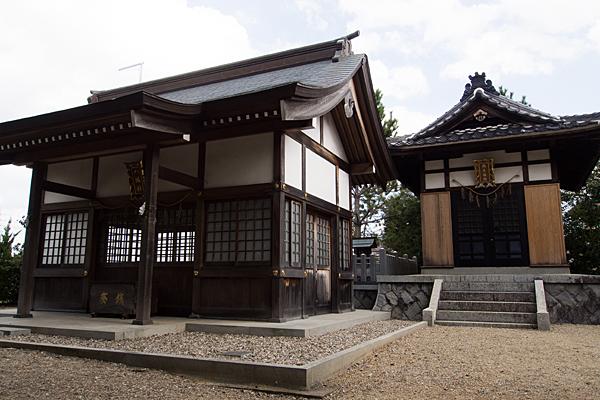 八つ松八幡社蔵王堂拝殿と堂