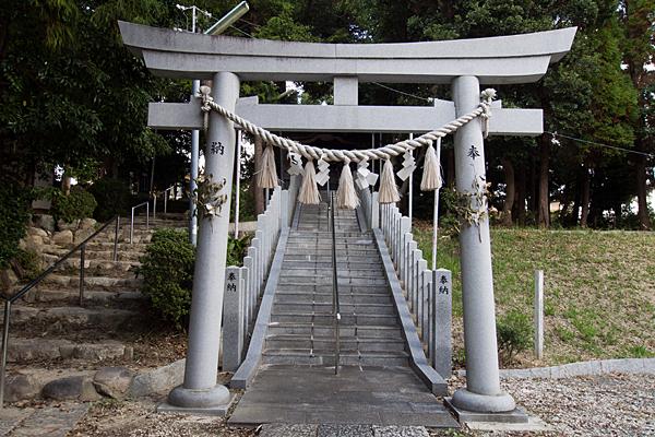 籠山神社二の鳥居前