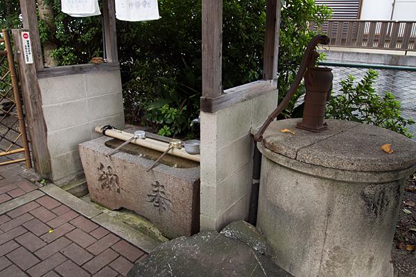 仁位殿社井戸と手水