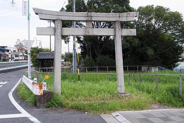鳴海町向田淺間社西鳥居