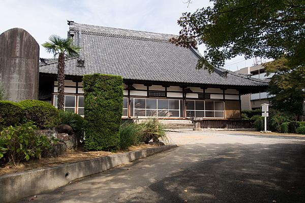 半蔵坊新福寺本堂