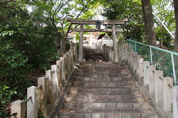 妙見宮階段と二の鳥居