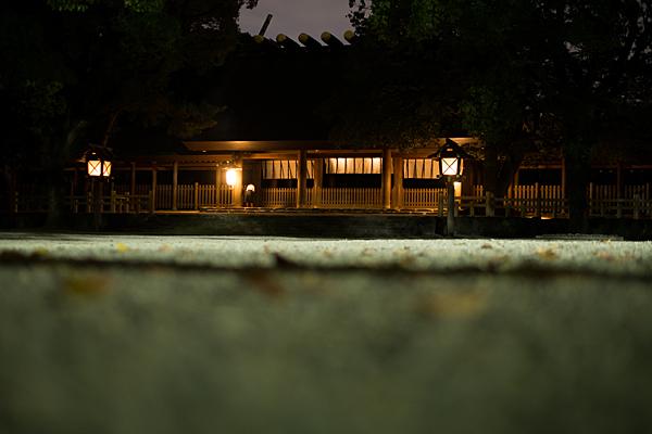 夜の熱田神宮