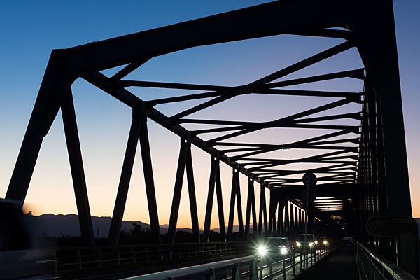 濃尾大橋近づいて