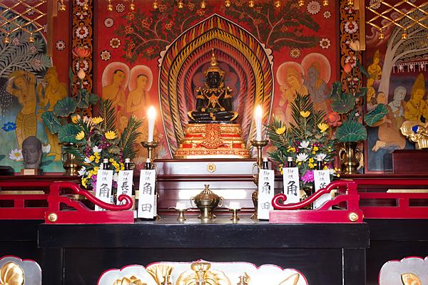 犬山成田山聖蘭堂内部