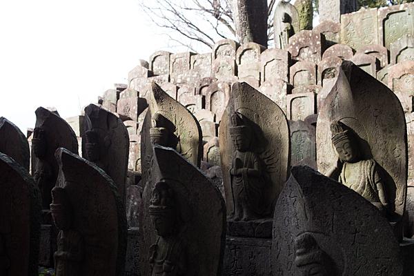 専念寺石仏