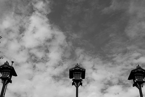 モノクロ灯篭