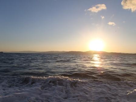 払暁の海で釣り開始ブログ用