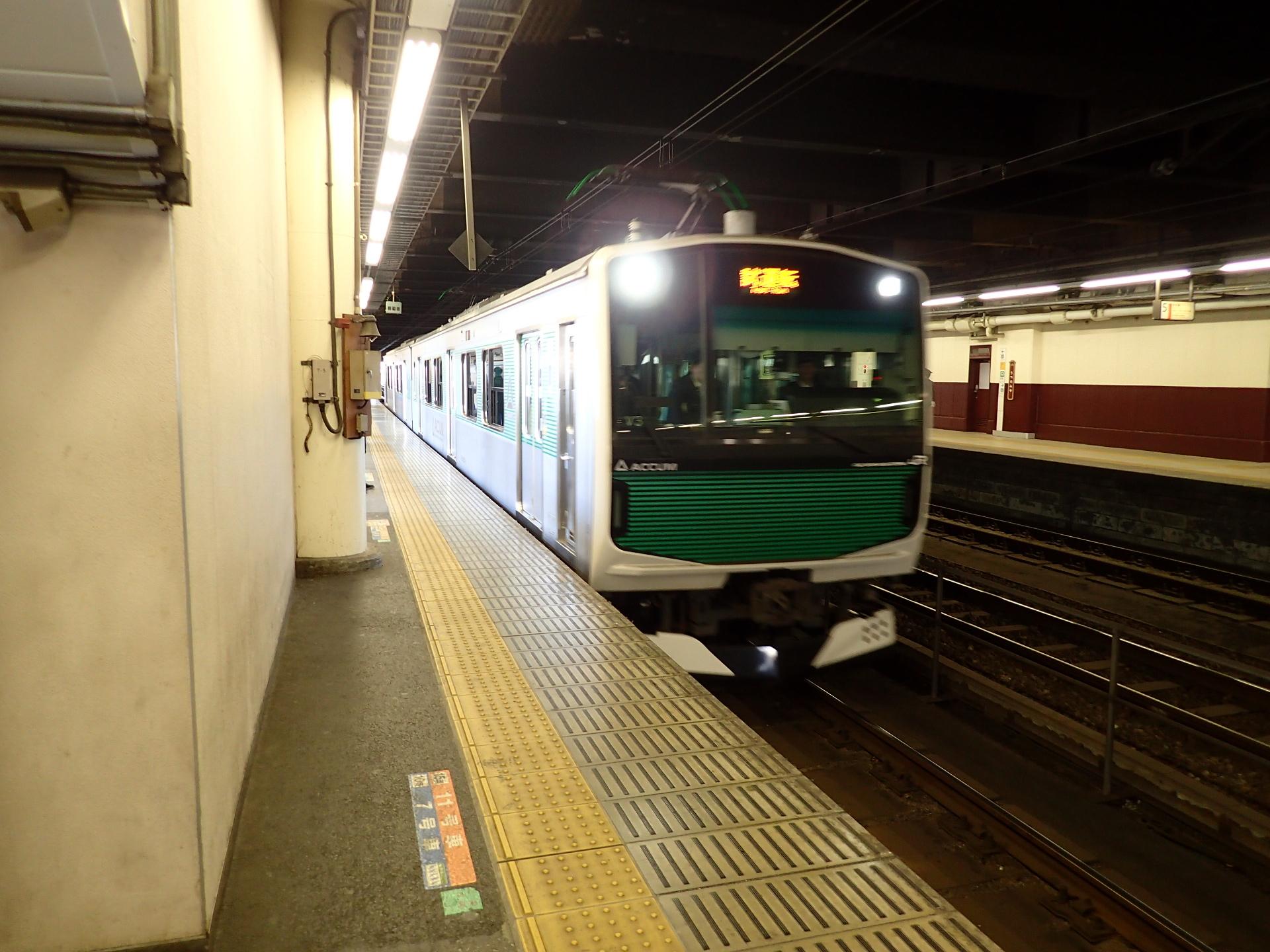 当たり前になった烏山線のEV-E301系。