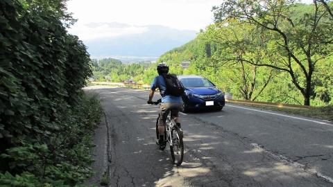 県道49号を下って駒ヶ根方面にダウンヒル、景色が綺麗で道も綺麗楽しい道でした。