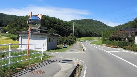 その後県道18号(伊那街道)のプチ峠を登って宿へ