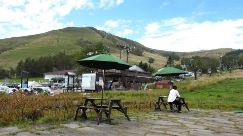 車山高原で休憩、、もお昼にはちょっと早い