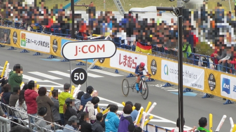 三輪自転車の選手、頑張りに目頭が熱くなってしまう。