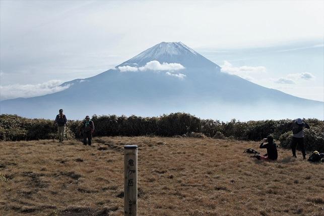 18-11-18雨ヶ岳1