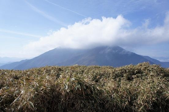 18-11-18雨ヶ岳2