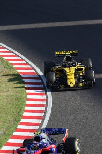 2018F1日本GP決勝 サインツ対ガスリー