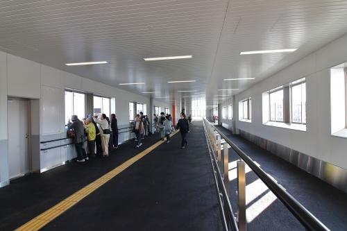 JR東淀川駅橋上駅舎自由通路 2018.11.11