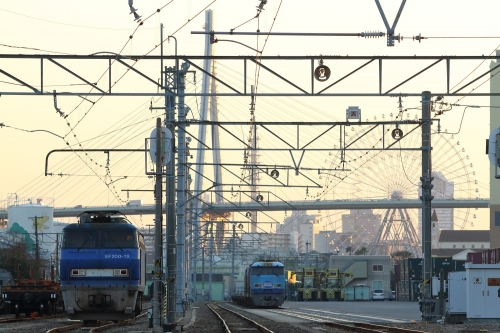 EF200-19 安治川口駅