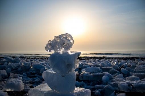 海に消える雪・1