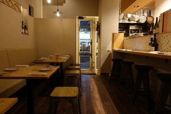 Huit(ユイット) ワイン食堂