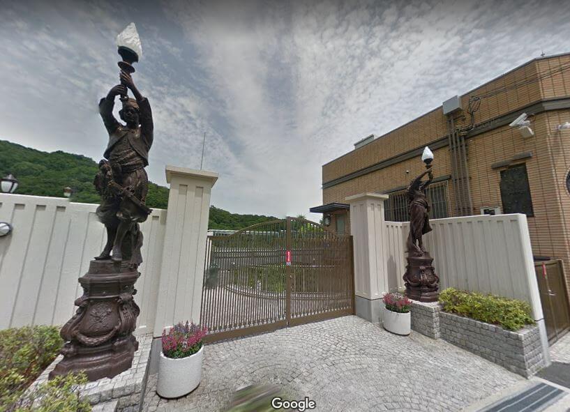 神戸市東灘区の個性的な豪邸外観8