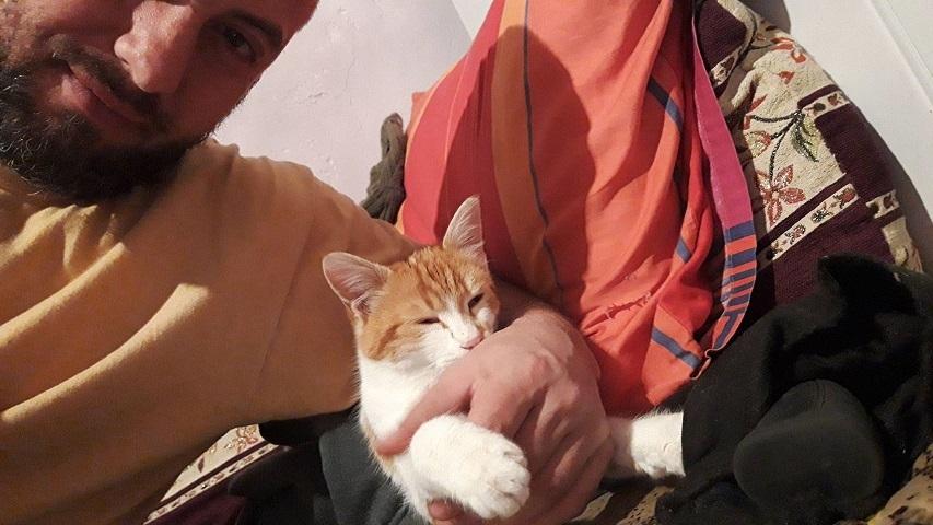 ミーママのダンサー友達がトルコの雪景色送ってくれました中東のイスラム教徒達は犬を虐め猫はかわいがるけど、トルコの若い世代のイスラム教徒はワンちゃんも猫ちゃんも両方かわいがってくれます2