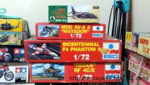 AV-8A、F-4